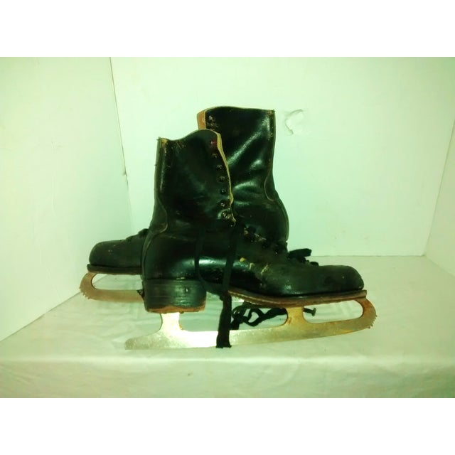 Vintage 1950 Men's Ice Skates Holiday Decor - A Pair - Image 4 of 7
