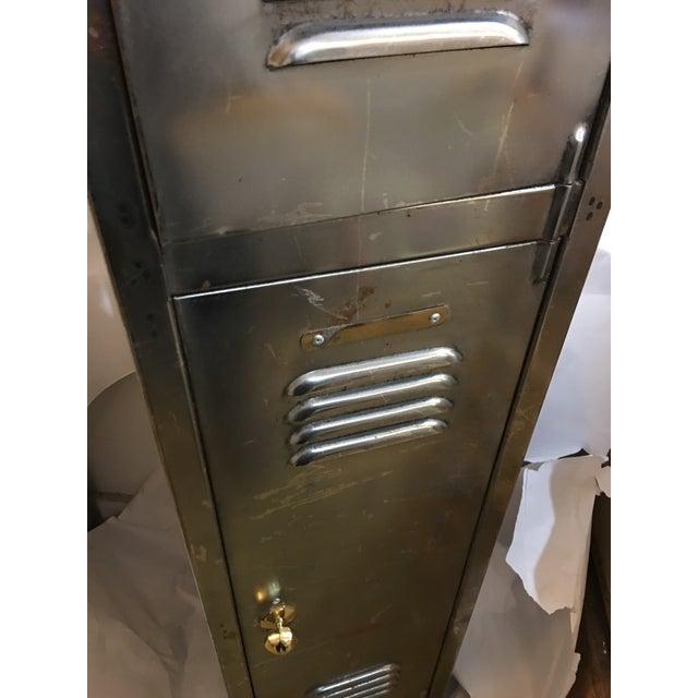 Old English Polished Metal Locker - Image 4 of 11