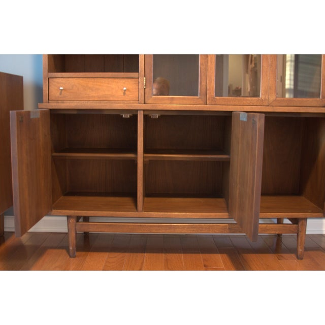 Image of American of Martinsville Mid-Century China Cabinet