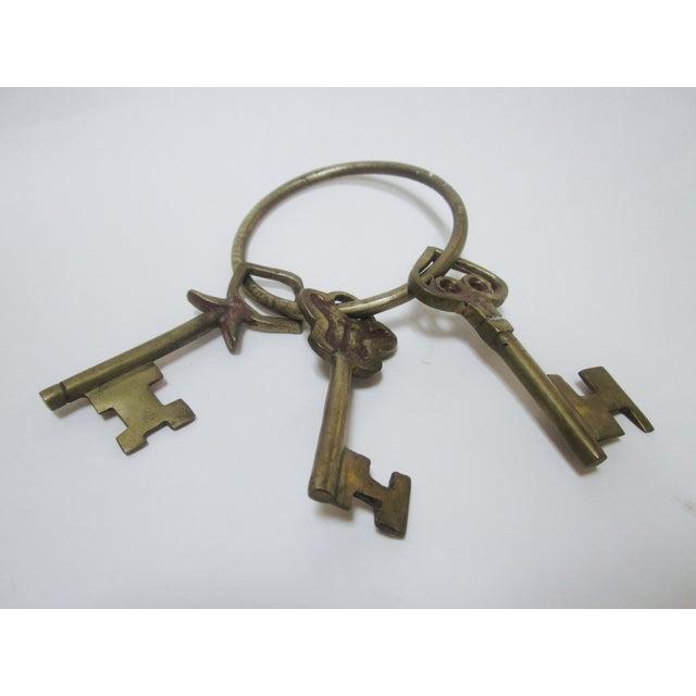Oversize Hollywood Glam Large Brass Skeleton KeyS Ring Set - Image 7 of 9