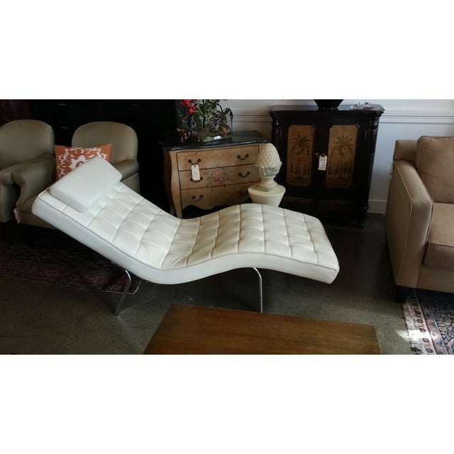 cream leather chaise longue modern cream leather chaise longue chairish 13604 | 560ee9fc 0908 11e3 b5de 12313906dc8d?aspect=fit&width=640&height=640