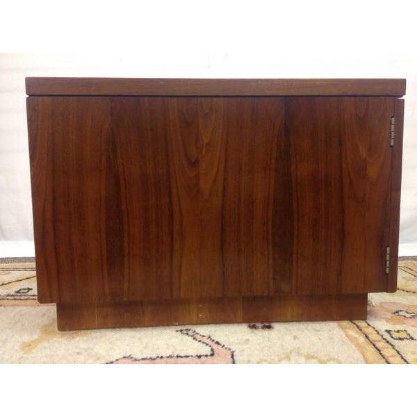 Mid-Century Lane Walnut Side Table - Image 4 of 5
