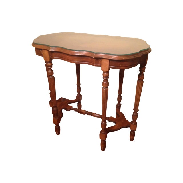 Vintage Traditional Wooden End Table - Image 1 of 4