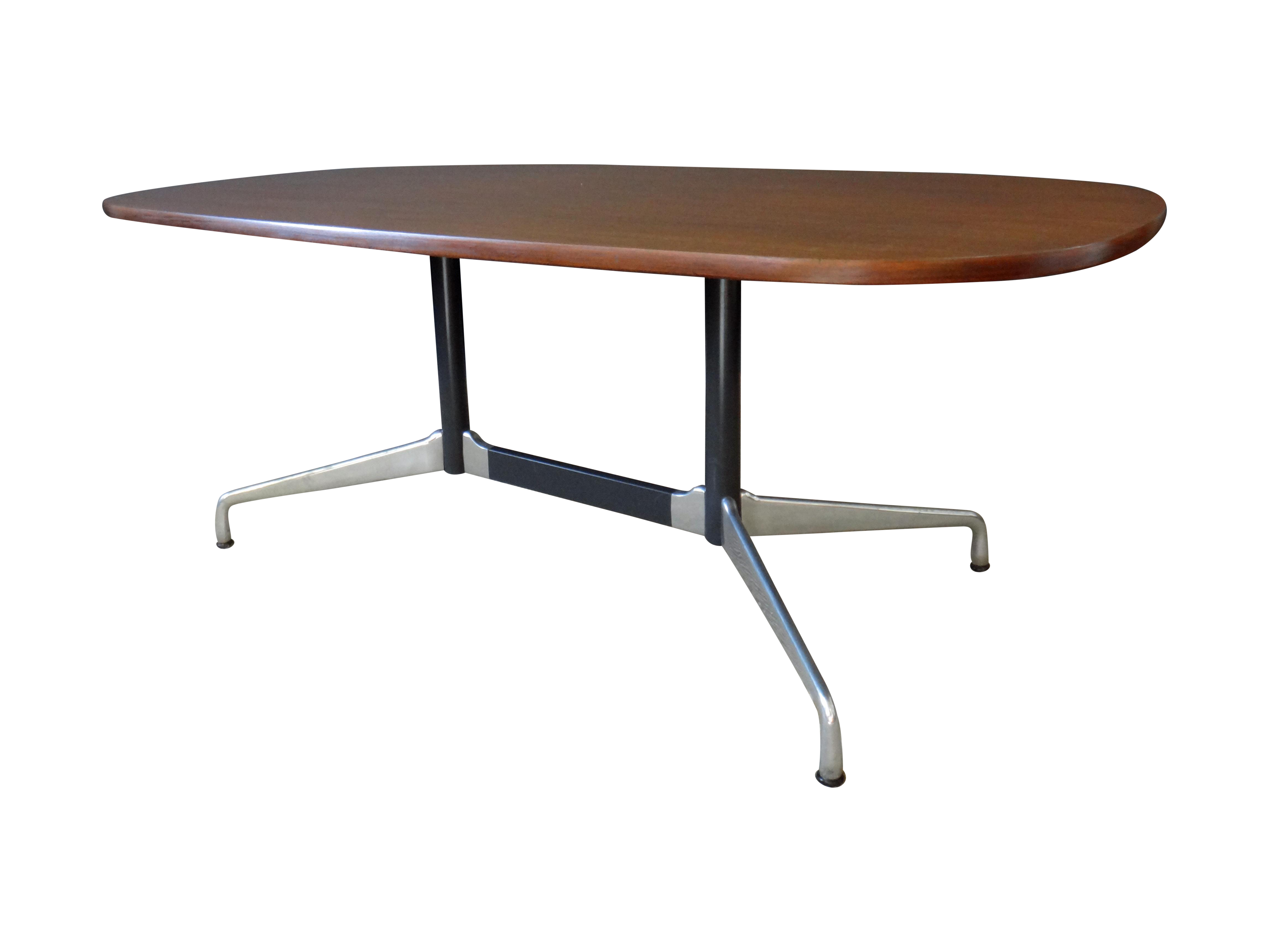 Eames for Herman Miller Large Oval Table Chairish : 5632f50d cfcd 49d0 8f60 abdfbbcc1d98aspectfitampwidth640ampheight640 from www.chairish.com size 640 x 640 jpeg 15kB