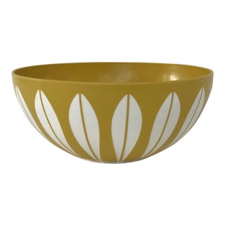 Yellow & White Retro Bowl