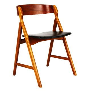 Henning Kjaernulf Chair