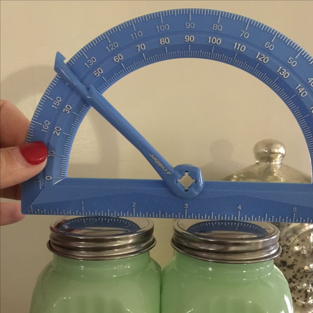 Art Deco Jadeite Salt and Pepper Shaker Set - Image 8 of 10