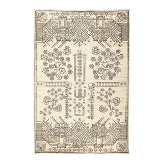 """Ivory Hand-Knotted Rug- 5' 1"""" x 7' 8"""""""