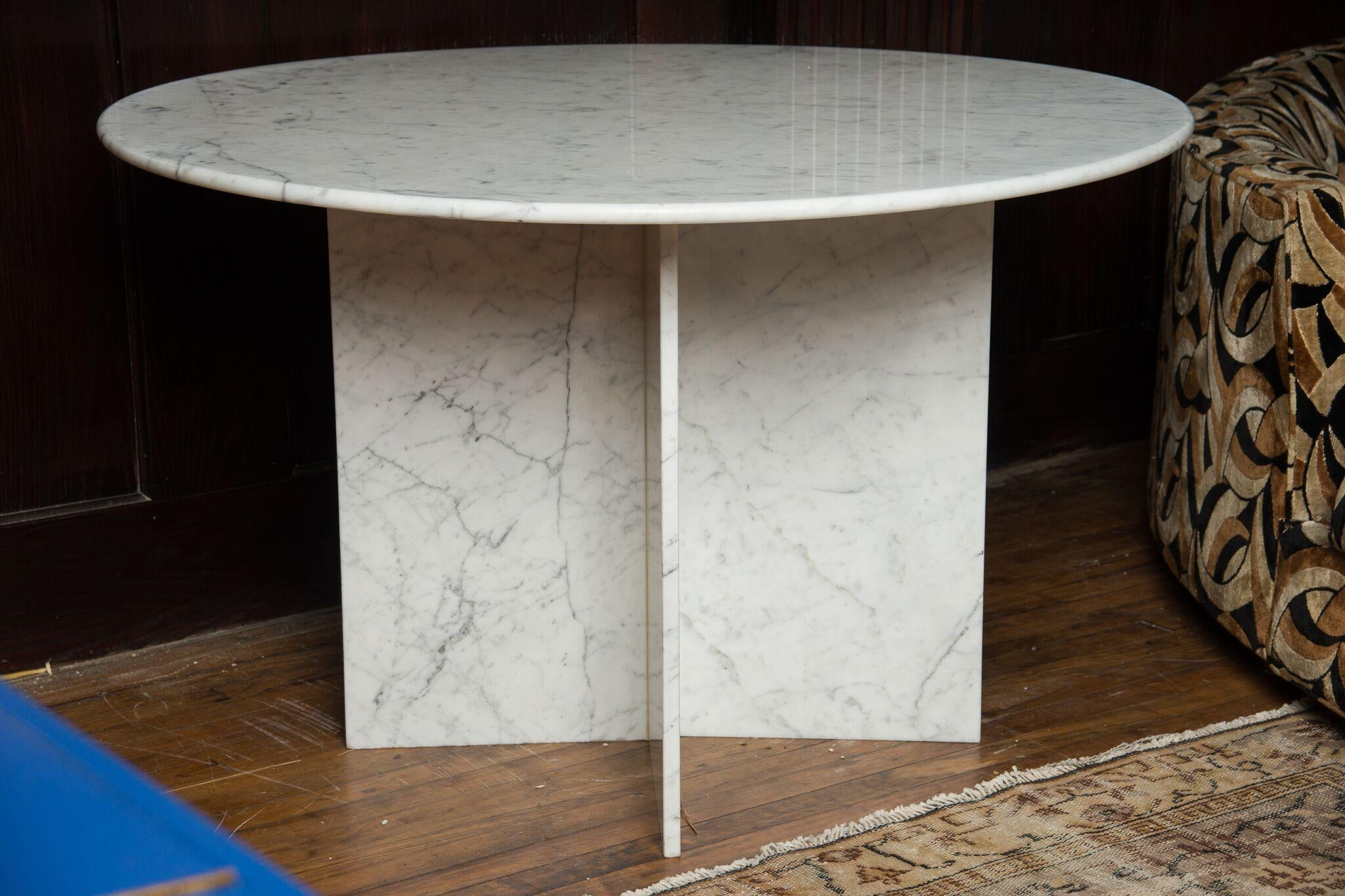 Round Carrara Marble Pedestal Dining Table Chairish : round carrara marble pedestal dining table 4879aspectfitampwidth640ampheight640 from www.chairish.com size 640 x 640 jpeg 43kB