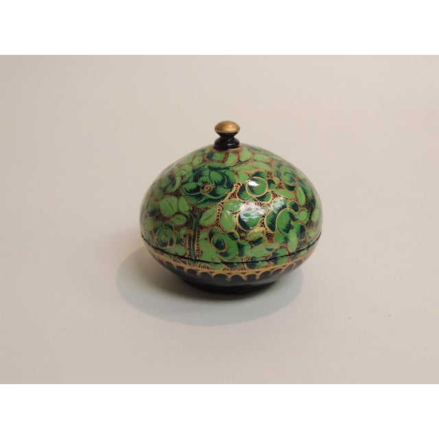 Small Vintage Hand Painted Indian Lacquered Box - Image 2 of 4
