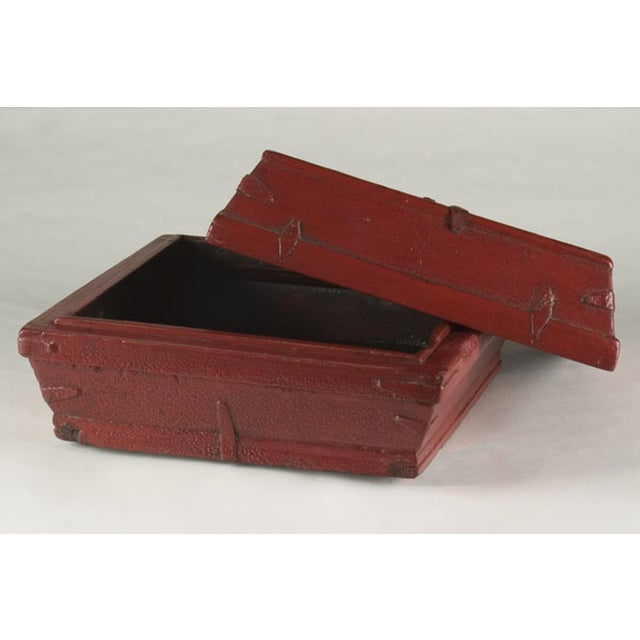 Red lacquer box with a removable top from China c. 1875 - Image 4 of 5