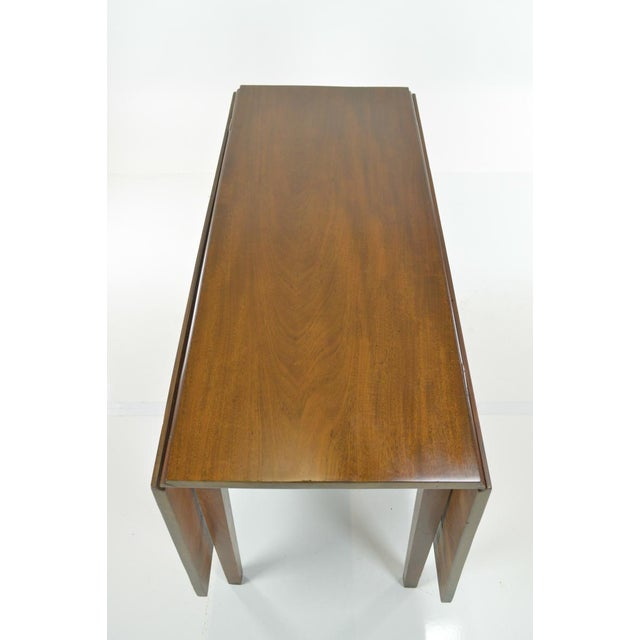 Image of 1780s American Mahogany Drop Leaf Table