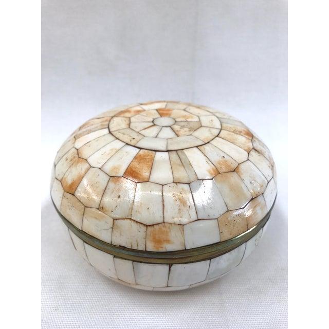 Vintage Trinket Box Tessellated Bone Over Brass - Image 3 of 6