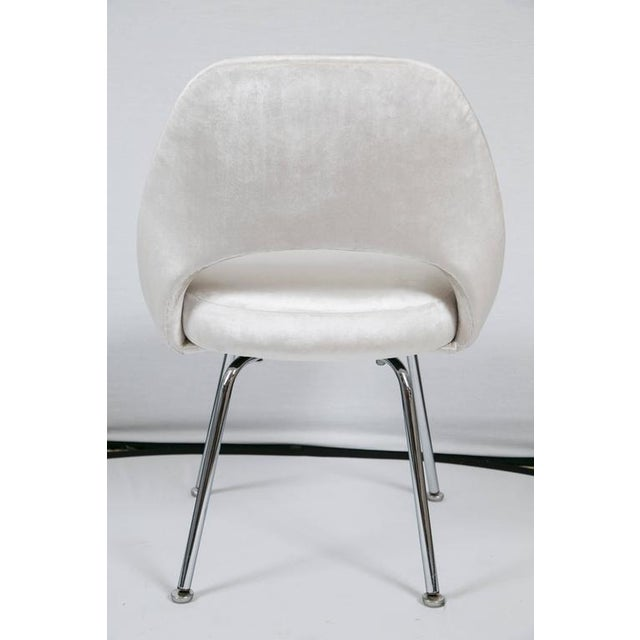 Saarinen Executive Armless Chairs in Ivory Velvet, Set of Six - Image 8 of 9