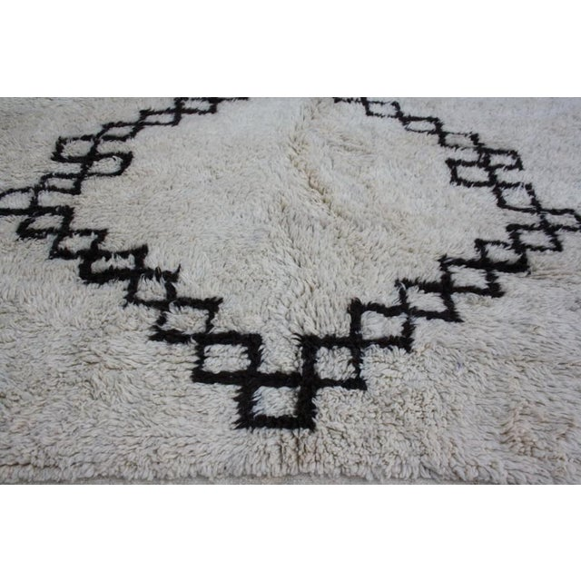Vintage Moroccan Beni Ourain Rug - 10'6'' X 6'5'' - Image 3 of 4