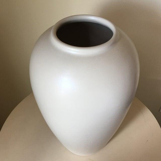 Haeger Cream Ceramic Vase - Image 3 of 4