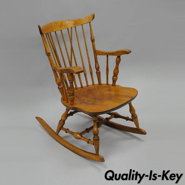 Colonial Traditional Vtg Nichols & Stone Maple Wood Windsor Rocking Chair Rocker - Image 11 of 11