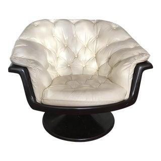 Mid-Century White Tufted Vinyl Pedestal Bucket Swivel Chair