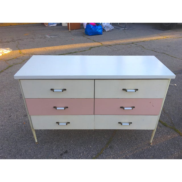 1950s Vista of California Pink & White Metal Dresser - Image 2 of 6
