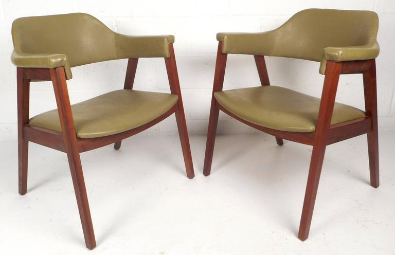 Mid Century Modern Vinyl Barrel Back Chairs   Image 2 Of 10