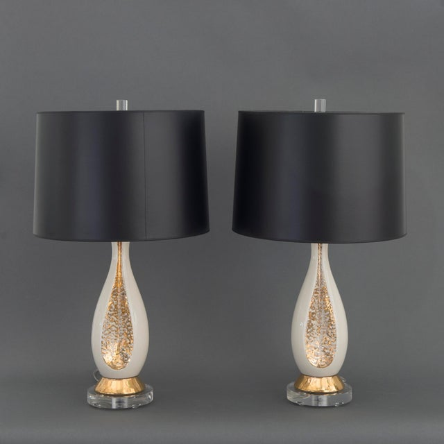 Pair of Danish Creamy White and Gold Table Lamps - Image 2 of 6