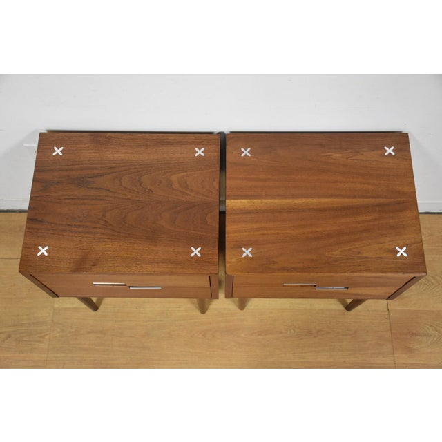 American of Martinsville Walnut Nightstands - A Pair - Image 5 of 9