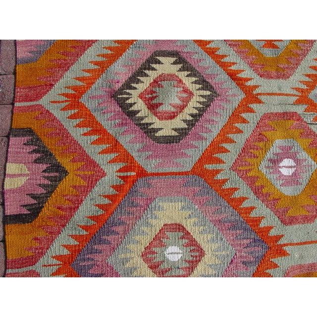 "Vintage Handwoven Turkish Kilim Rug - 5'9"" x 8' - Image 8 of 11"