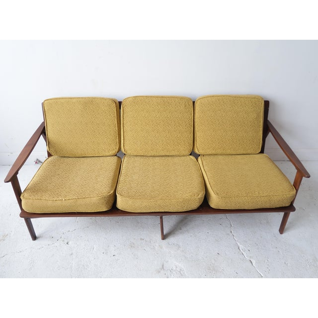 Vintage mid century modern daybed sofa chairish for Mid century modern day bed