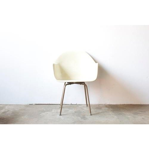 Mid-Century American White Chair - Image 2 of 5
