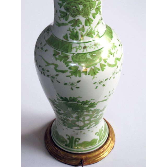 A pair of finely painted Japanese baluster-form porcelain lamps with apple green and gilt decoration - Image 3 of 3