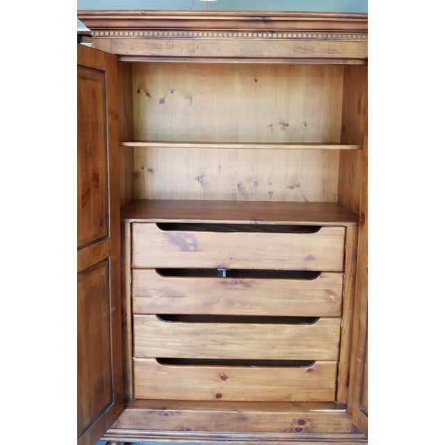 Habersham Plantation Armoire Cabinet - Image 6 of 8