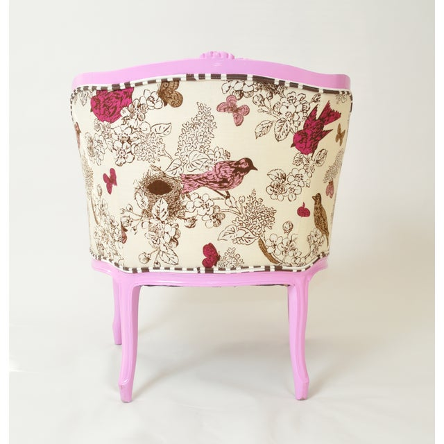 French Provincial Barrel Chair in Magenta - Image 4 of 5