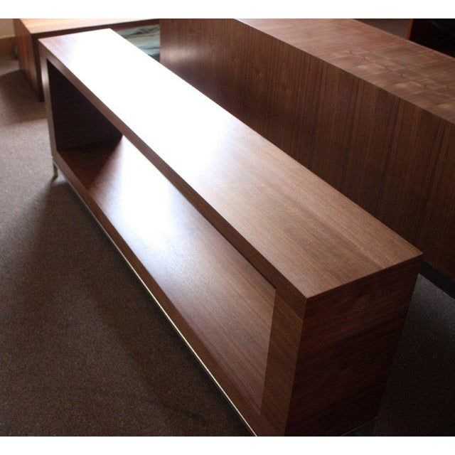 Vioski Shea Sectional With Walnut Console - Image 12 of 13