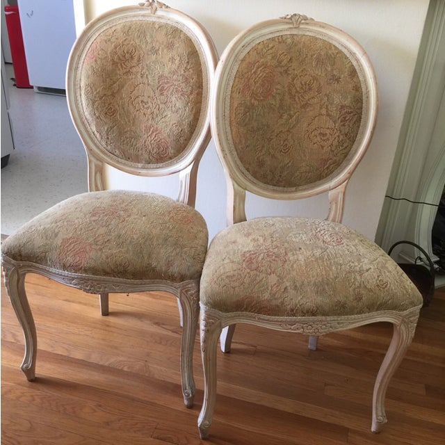 French Provincial Chairs - A Pair - Image 9 of 9