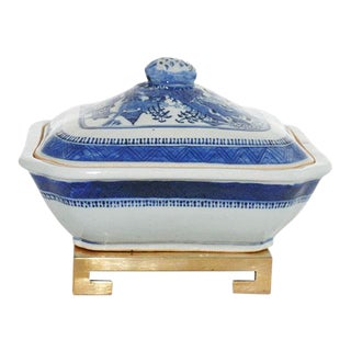 19th-Century Canton Blue and White Octagonal Dish