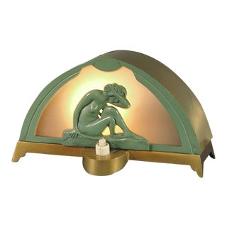 A French Art Deco Lady Lamp That Departs from the Standard