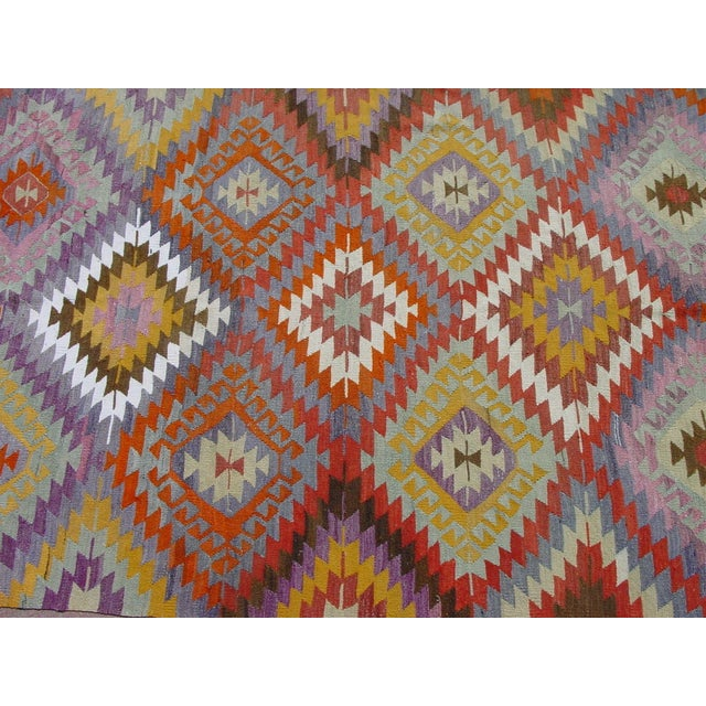 "Image of Vintage Handwoven Turkish Kilim Rug - 5'7"" x 9'4"""