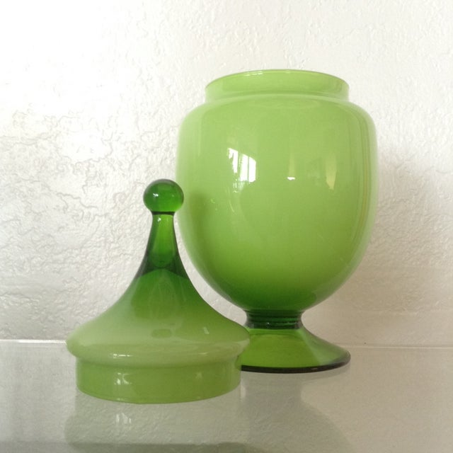 Chartreuse Oval Bonbonniere - Image 3 of 3
