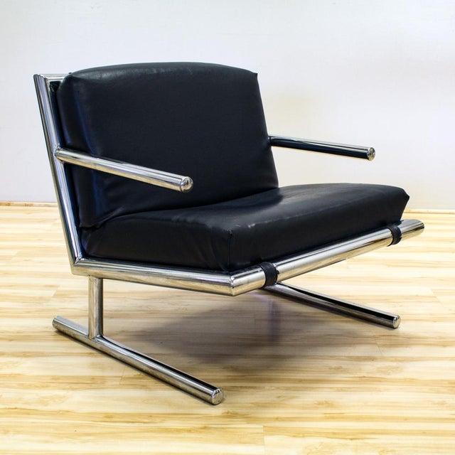 Tubular Chrome & Navy Vinyl Club Chair - Image 2 of 8