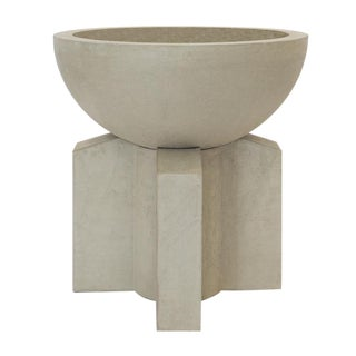 The Californian III Cast Concrete Planter