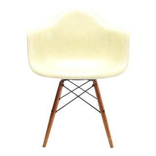 Vintage Eames PAW Swivel chair for Herman Miller