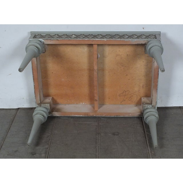 Regency-Style 1950s Painted End Table - Image 7 of 7