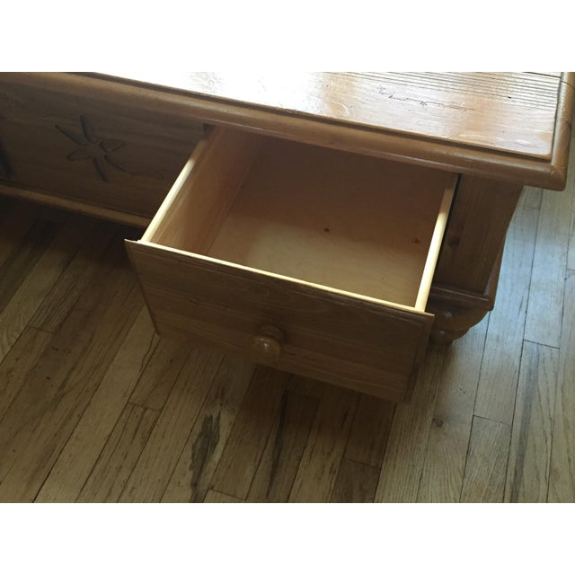 Ethan Allen Henry Coffee Table With Drawers: Ethan Allen Farmhouse Pine Coffee Table