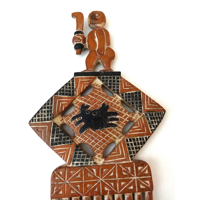 Large Hand Carved African Wedding Comb - Image 4 of 6