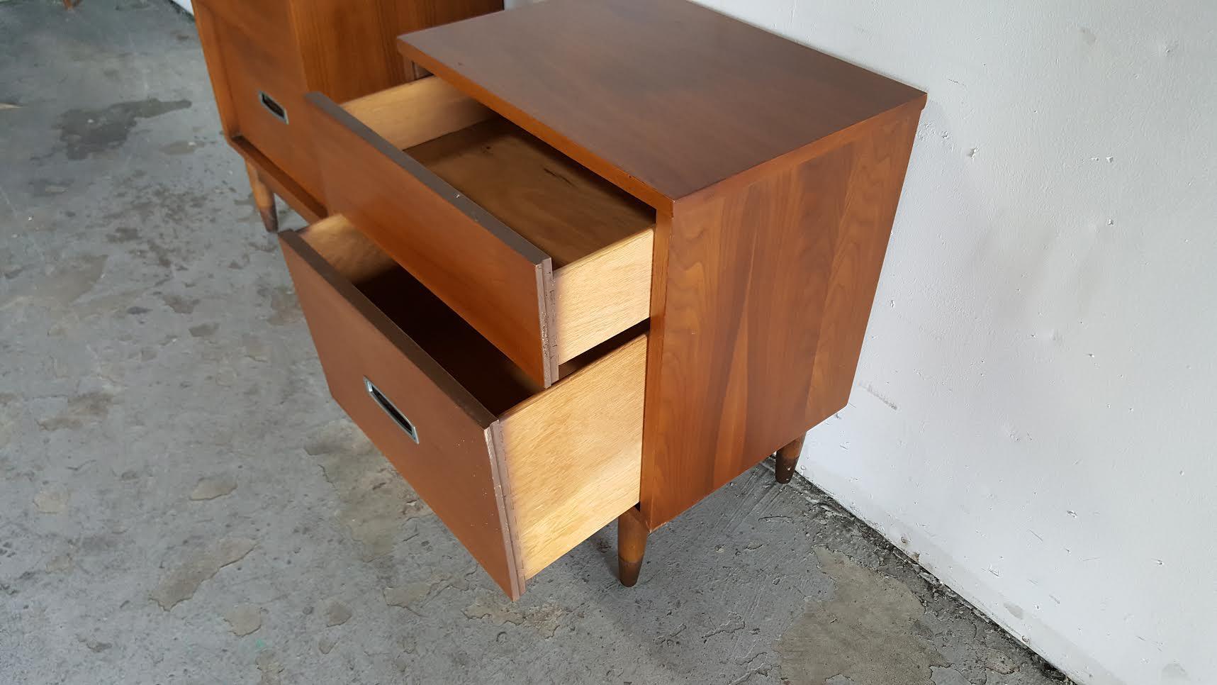 hooker mainline midcentury modern nightstands a pair image 6 of 11