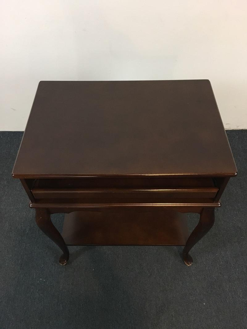 Contemporary Queen Anne Style Side Table   Image 3 Of 8