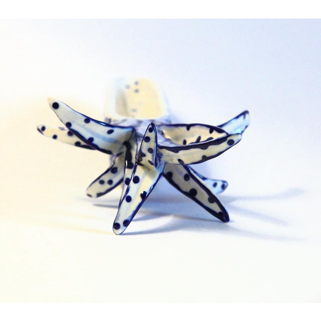 White & Blue Pineapple Catchall - Image 7 of 8