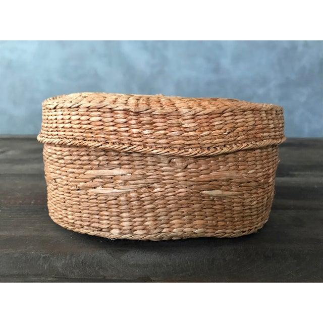 Round rattan basket lid chairish - Round wicker hamper with lid ...
