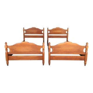Cushman Colonial Creations Molly Stark Single Beds (Model 2050) - A Pair