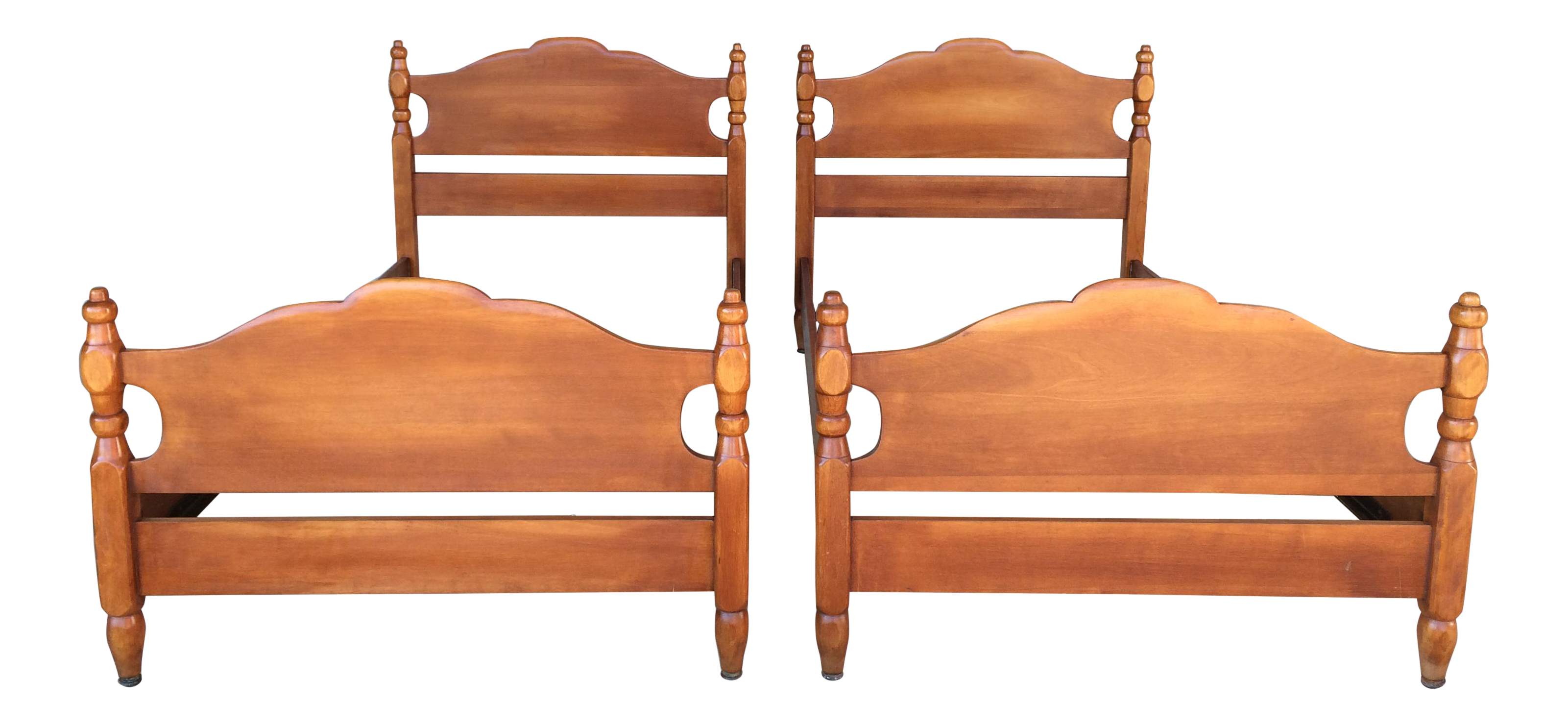 Cushman Colonial Creations Molly Stark Single Beds (Model 2050)   A Pair